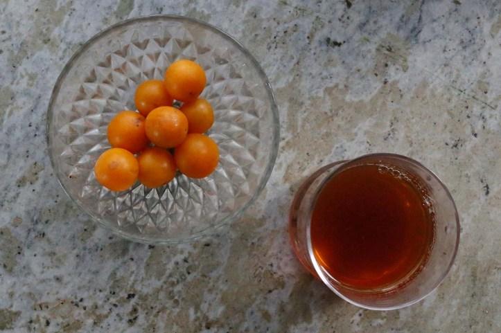 Körsbärskornell- och lingonsaft