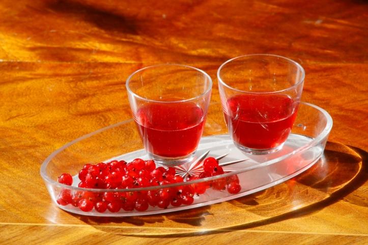 Rödvinbärslikör